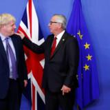- Aftalen afspejler det store arbejde, der er blevet lagt i det fra begge sider, siger den britiske premierminister, Boris Johnson, på et kort pressemøde med EU-Kommissionens formand, Jean-Claude Juncker, om brexitaftalen, der blev indgået torsdag før middag. François Lenoir/Reuters