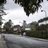 På villavejene i forstæderne bliver der bygget og renoveret i stor stil. Det store spørgsmål er, om kvartererne er ved at miste forbindelsen til deres historie?