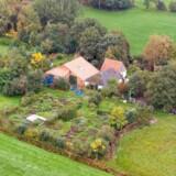 Her ses gården nær Ruinerwold i Holland.