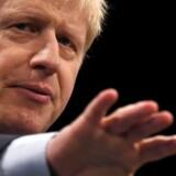 For mindre end et år siden fremstillede Boris Johnson det som fuldstændelig utænkeligt at acceptere nye former for toldkontrol mellem Nordirland og resten af Storbritannien for at få en skilsmisseaftale med EU på plads. Nu kæmper for han for en aftale med EU, der netop bygger på toldkontrol i Det Irske Hav.