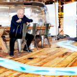 IT-milliardæren Niels Zibrandtsen blev kendt fra GlobalConnect. Nu har han oprettet et iværksættermiljø kaldet inQvation, hvor han investerer i en lang række iværksættervirksomheder frem for blot at læne sig tilbage efter milliardsalget.