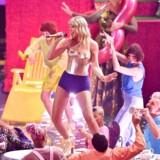 Loud kommer ikke til at være en decideret musikkanal, men musik kommer alligevel til at være i højsædet, hvilket blandt andet afspejler sig i, at Roskilde Festival, Det Kongelige Danske Musikkonservatorium og spillestedet Vega er at finde blandt stifterne. Her er det superstjernen Taylor Swift.