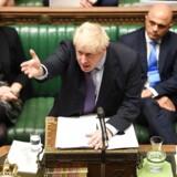 Afgørende Brexit-aften: Boris Johnson med de store armbevægelser.