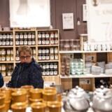Danskerne er blevet mere pessimistiske og vil købe færre varer. Men samtidig øger vi belåningen af vores boliger. Det kan give et løft til forbrug og boliginvesteringer.