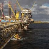 Oliebranchen mener, at der i mange år frem vil være brug for olie og gas, og at det derfor er nødvendigt at fortsætte jagten på olie i Nordsøen. Her ses platformen Tyra Øst.