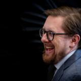 Simon Emil Ammitzbøll-Bille meldte sig ud af Liberal Alliance tirsdag aften og er nu løsgænger i Folketinget.
