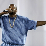 Siden foråret har Kanye West afholdt sine Sunday Services, hvor han prædiker for sine følgere og optræder med et gospelkor. Fredag kommer rapperens religiøse album »Jesus Is King«.