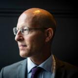 ATP henter i disse år rekordstore afkast på pensionskassens investeringer. Jesper Rangvid, der er professor i finansiering på Copenhagen Business School, mener dog, at ATP tager for store risici ved at geare investeringerne. ATP afviser bekymringen.