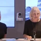 Telias kommende koncernchef, Allison Kirkby (til venstre), der indtil torsdag aften var topchef i TDC, sammen med Telias afgående bestyrelsesformand, Marie Ehrling, på pressemødet i Stockholm fredag morgen. Foto: Telia
