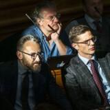 »Hvis Liberal Alliance ikke længere er frihedens parti, er det svært at se attraktionen. Derfor skal herfra lyde en opfordring til, at partiet opløser sig selv,« skriver Anders Krab-Johansen. Her ses de tilbageværende folketingsmedlemmer Alex Vanopslagh, Ole Birk Olesen og Henrik Dahl.