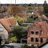 Regeringens udskydelse af de nye boligskatter bliver dyr for mange boligejere.