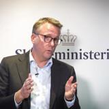 Skatteminister Morten Bødskov (S) er havnet i strid modvind fra kommunerne, som føler sig taget på sengen, efter at skatteministeren i sidste uge uventet udskød de nye boligskatteregler fra 2021 til 2024.