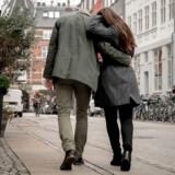 Vi har en tendens til at forveksle forelskelsen, den periode, hvor vores hjerne er dopet med dopamin og serotonin, med kærlighed.