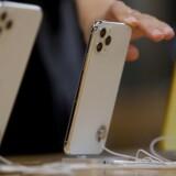 Apple tjener færre og færre penge på sit iPhone-salg, selv om det stadig udgør over halvdelen af hele forretningen. Arkivfoto: Jason Lee, Reuters/Ritzau Scanpix