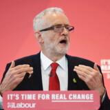 Lederen af det britiske parti Labour har mildest talt set sig sur på særligt fem milliardærer, som, han mener, ødelægger det britiske samfund, alt imens de selv tjener fede penge på det.