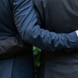 »Undersøgelsen sætter en tyk streg under det faktum, at vi i Danmark er meget langt fra det selvforherligende billede af ligestilling og frisind, som vi så gerne bryster os af over for andre,« skriver Susanne Branner Jespersen fra LGBT Danmark.