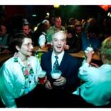 I 1995 åbnede Pedal-Ove sin nye restaurant, Fladstrand, i selskab med sin kone, Jill.