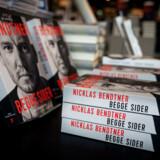Nicklas Bendtners selvbiografi, »Begge sider«, udkommer tirsdag. Bogen er skrevet i samarbejde med Rune Skyum-Nielsen.