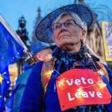 »I skrivende stund tyder meget lidt på, at briterne har fortrudt deres nej til EU,« skriver Anna Libak.
