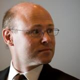 Folketingets Retsudvalg indstiller landsdommer og tidligere professor i forvaltningsret dr.jur. Niels Fenger til posten som Folketingets Ombudsmand.