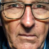 Da Frank Jensen, tidligere operativ chef for PET, ryddede op i sin fars bo, fandt han et hemmeligt rum med papirer, som viste, at hans far var spion i Tyskland under Anden Verdenskrig og under Den Kolde Krig medlem af en spionring i Danmark med forbindelse til CIA. Han har nu skrevet en bog om sin far.