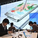 Samsungs Galaxy S10-telefoner har – sammen med Huaweis problemer med amerikansk blokade – bidraget til at befæste den sydkoreanske mobilgigants stilling på verdensmarkedet. Arkivfoto: Jung Yeon-je, AFP/Ritzau Scanpix
