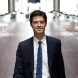 En verden uden flytransport ville begrænse vores muligheder for at kunne rejse ud i verden, og det ville være undergravende for vores samfundsmodel, mener Simon Pauck Hansen, der er ny dansk chef for SAS. »Derfor har vi en stor forpligtigelse til at finde en løsning,« siger han.