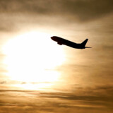 Flyindustrien sviner atmosfæren til med CO2, mens udviklingen af løsninger bevæger sig fremad med hastige skridt. Spørgsmålet er, om de er gode nok.