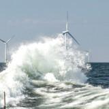 Danske vindmøller gør det danske klimaregnskab bedre, men skal det også tælle med, når de bliver opstillet i udlandet?