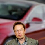 Teslas stifter Elon Musk, havde en overraskelse med i ærmet, da han tirsdag aften deltog i en prisceremoni.