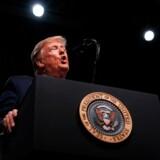 Donald Trump gider ikke læse eller høre andres vurderinger og meninger, for en leder må aldrig forekomme svag, skriver David Runciman.