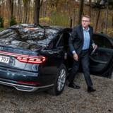 Skatteminister Morten Bødskov (S) ankommer til klimamødet i en stor diesel-Audi. Men han er ikke meget for at lade sig interviewe om det.
