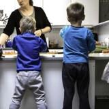 Forældrene skal nok forvente at løfte noget af merudgiften til bedre normeringer, skriver Mia Amalie Holstein.
