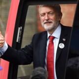 Labours leder, Jeremy Corbyn, er i fuld gang med sin valgkamp frem mod parlamentsvalget i december. Han kører Storbritannien tynd i bus i disse dage.
