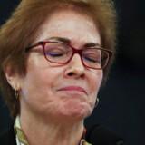 Marie Yovanovitch, USAs tidligere ambassadør i Ukraine, måtte ind i mellem tage en dyb indånding under sin høring i Kongressen fredag.