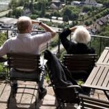 Den rekordlave rente gør, at de hollandske pensionister får færre penge mellem hænderne i det nye år.
