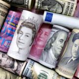 Verdens samlede gæld svarer nu til 320 procent af verdens bruttonationalprodukt, BNP. Det er et bekymrende højt niveau, mener flere økonomer.