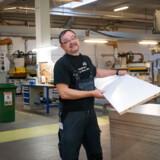 Iosif Dorin Hoca fra Rumænien kom i arbejde på Tvilum Møbelfabrik efter overstået virksomhedspraktik.