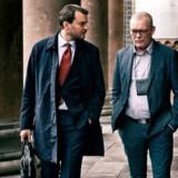 Pilou Asbæk og Søren Malling spiller offentlig anklager og drabschef i TV-serien »Efterforskningen.« Den skildrer opklaringsarbejdet, der førte til, at Peter Madsen blev dømt for mordet på Kim Wall.