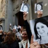 Maltesere mindedes journalisten Daphne Caruana Galizia ved en højtidelighed 16. april 2018. Den regeringskritiske journalist blev dræbt af en bilbombe i 2017 – mordet er endnu ikke opklaret.