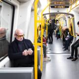 ARKIVFOTO: Passagerne i de hvide tog på Cityringen kommer til at væbne sig med tålmodighed, for der er stadig lange udsigter til fuld mobildækning i den københavnske undergrund, siger direktør for Teleindustrien.
