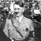 »Hvor socialismen primært betoner arbejderklassens interesser og behovet for klassekamp og solidaritet på tværs af grænser, var nazismen i sit udgangspunkt en radikalt nationalistisk ideologi,« skriver Mikkel Andersson.