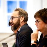 »Jeg synes, det er helt absurd, at Astrid Krag bliver ved med at påstå, at han er den mest egnede til det job, når alle kan se, at han er blevet ansat, fordi han var venner med Astrid Krag, inden hun blev minister,« siger Ole Birk Olesen.