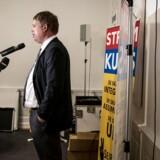 »Mange mener, at Stram Kurs og Rasmus Paludan er latterlige og bør ignoreres. Hans retorik er hadefuld og barnlig, og der er bred enighed om, at han ikke formidler egentlige politiske holdninger. Men vi mener, at tiden til at ignorere ham er forbi. Han har fået over 60.000 stemmer ved sidste valg,« skriver Steen Hartmann.