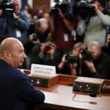 Den amerikanske EU-ambassadør Gordon Sondland var en af mange, der under kongres-høringer var med til at tegne dystert billede af præsidentens involvering i sagen om tilbageholdt hjælp til Ukraine.