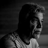 Bjarne Petersen har været ansat i politiet i 37 år, men er nu blevet indstillet til fyring, fordi hans hustru ikke vil underskrive den blanket, som Rigspolitiet har bedt hende om at underskrive.