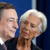 Negative renter og en dybt splittet europæisk centralbank var den forgiftede gave, som tidligere chef for ECB Mario Draghi, leverede til den nye chef, Christine Lagarde. De negative konsekvenser af negative renter går langt videre end negative renter på almindelige personers indeståender.