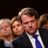 Donald McGahn arbejdede tæt sammen med præsidenten frem til oktober 2018 og kan muligvis fortælle, at Donald Trump forsøgte at forhindre Robert Muellers tidligere Rusland-undersøgelse i at gøre sit arbejde. Det skriver The New York Times.