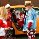 Hvis du er en af dem, som gerne vil opleve noget nyt til jul, er New York en mulighed. Her er smukke vinduesdekorationer, skøjteløb og uden tvivl en Santa eller to.