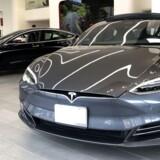 Teslas modeller er blandt de elbiler, der står til at stige i afgift fra årsskiftet.